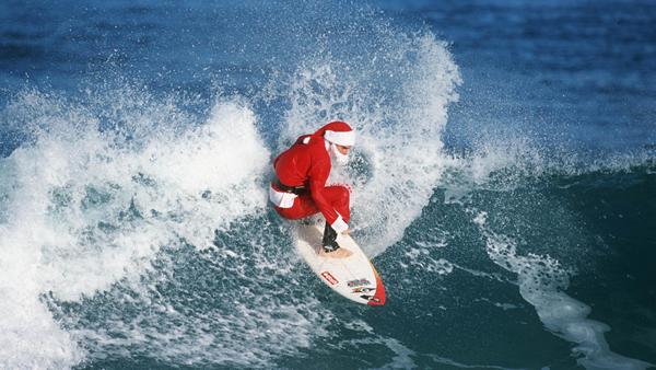waves-surfing-Santa